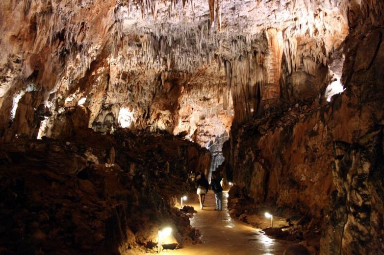 Cueva de Valporquero 02