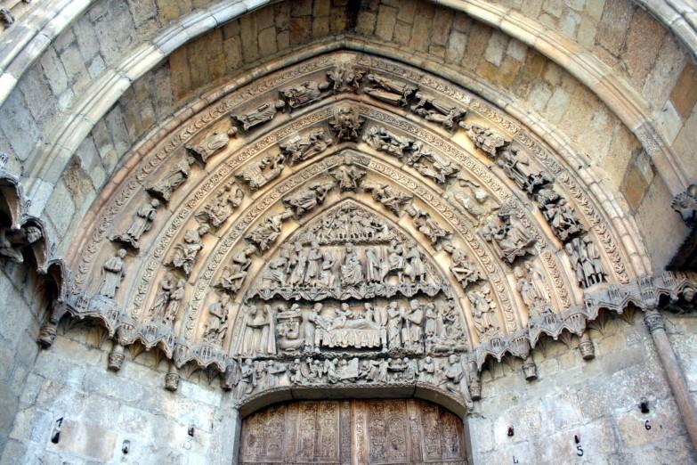 Timpano Catedral de Leon 01