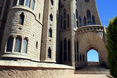 Palacio Episcopal de Gaudí 04